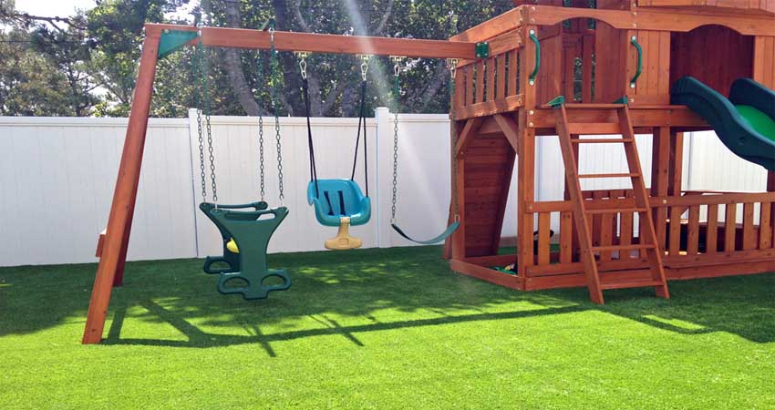 Backyard Artificial Grass Playgrounds