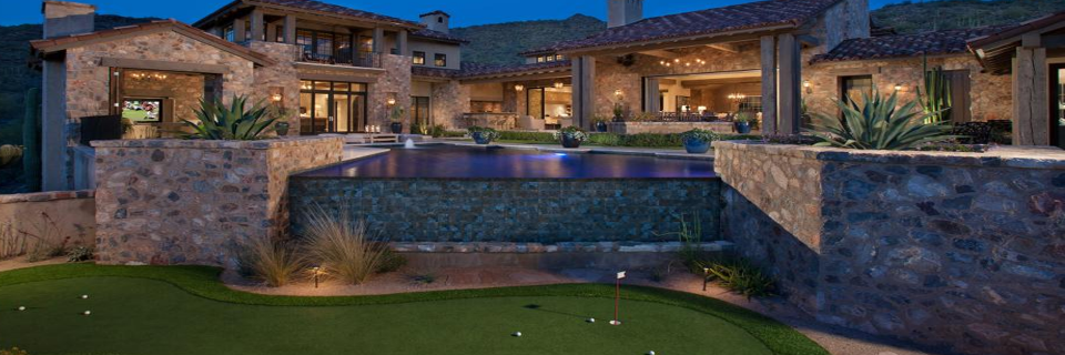 Artificial Backyard Putting Greens